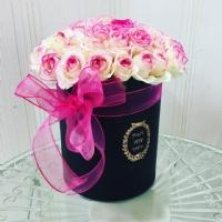 Silindir Kutuda Pembe Beyaz Güller