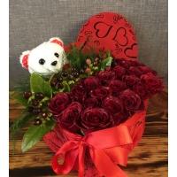 Kalp Kutuda Kırmızı Güller & Ayıcık